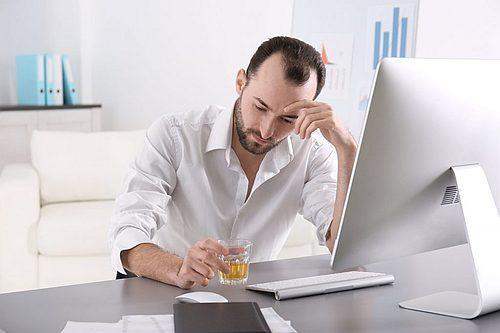 Злоупотреблением алкоголем - Клиника Кордия